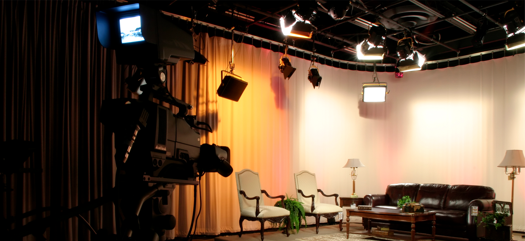 Smart Connected Lighting Takes the Stage at the Movie Production Studio